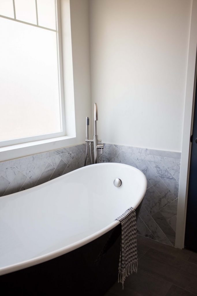 Carrara Bianco 4x12